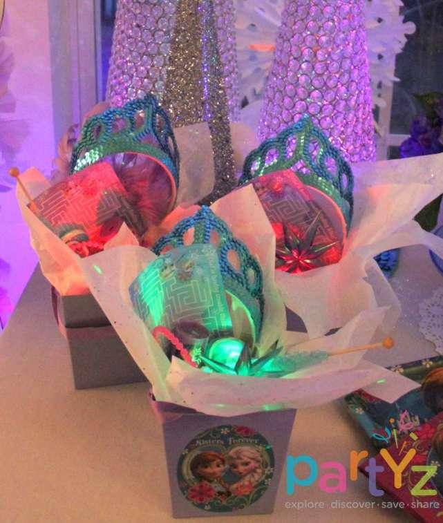 glow_favor_boxes